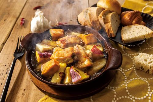 チキンと野菜のアヒージョ